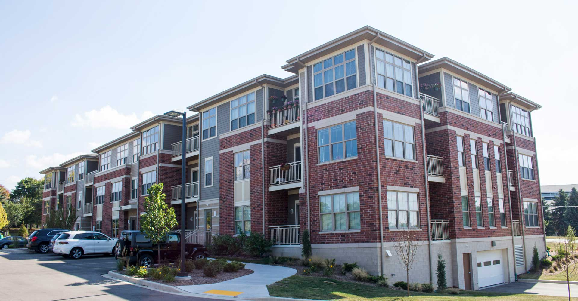 Lilly Preserve Luxury Apartments In Brookfield Wi